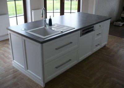 Realizacje kuchnie angielskie 1 400x284 Meble kuchenne na wymiar