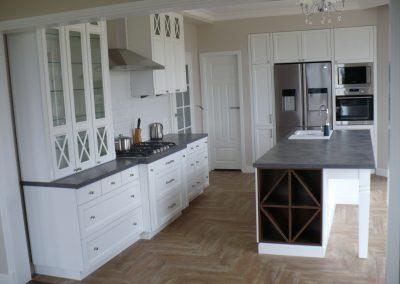 Realizacje kuchnie angielskie 2 400x284 Meble kuchenne na wymiar
