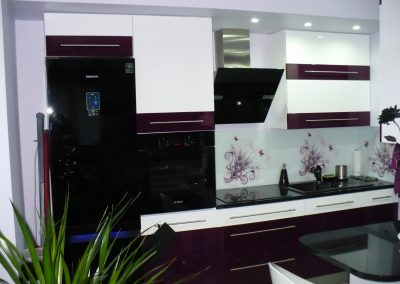 Realizacje kuchnie nowoczesne 13 400x284 Meble kuchenne na wymiar