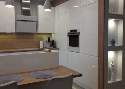 Realizacje kuchnie nowoczesne 25 400x284 Meble kuchenne na wymiar