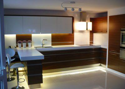 Realizacje kuchnie nowoczesne 8 400x284 Meble kuchenne na wymiar