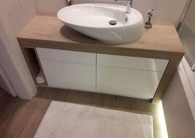 Realizacje szafki lazienkowe 1 400x284 Szafki łazienkowe