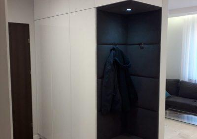 Realizacje szafy 3 400x284 Szafy przesuwane i otwierane