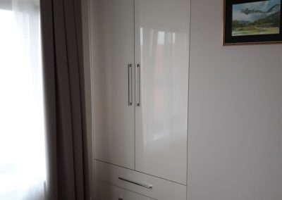 realizacje szafy przesuwane otwierane kalwaria zebrzydowska 6 400x284 Szafy na wymiar