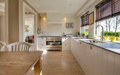 meble kuchenne na wymiar jak wybrac 400x250 Fronty drewniane