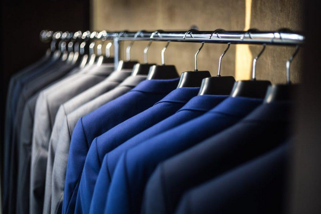 %name Jak zaprojektować garderobę pod skosy, aby była praktyczna?