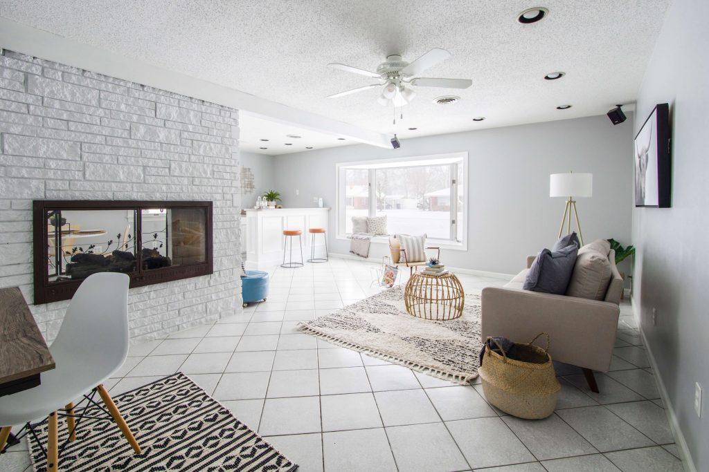 sposob na mala przestrzen 1024x683 Sprytne sposoby na wykorzystanie mebli do małych mieszkań i mikroapartamentów