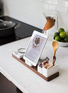 praktyczne triki na czyszczenie mebli do kuchni na zamowienie 220x300 Jak dbać o meble kuchenne na wymiar?   6 sprawdzonych zasad