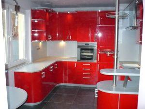 meble kuchenne nowoczesne na wymiar czerwone 300x225 4 pomysły na aranżację mebli na wymiar w nowoczesnej kuchni