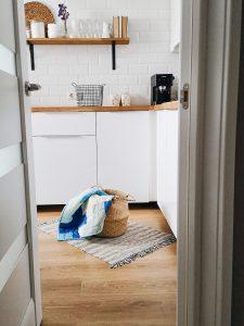 naroznik w nowoczesnych meblach kuchennych 225x300 4 pomysły na aranżację mebli na wymiar w nowoczesnej kuchni
