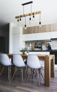 wskazowki wazne przy projektowaniu kuchennego stolu 185x300 Co jest ważne podczas projektowania funkcjonalnego stołu na wymiar do niedużej kuchni?