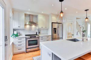 kolory klasycznych mebli kuchennych 300x200 Jak zaprojektować meble na wymiar do kuchni klasycznej – 4 przydatne wskazówki